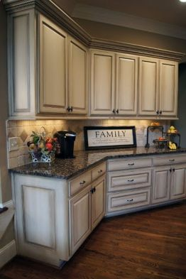Beautiful Farmhouse Style Rustic Kitchen Cabinet Decoration Ideas 61