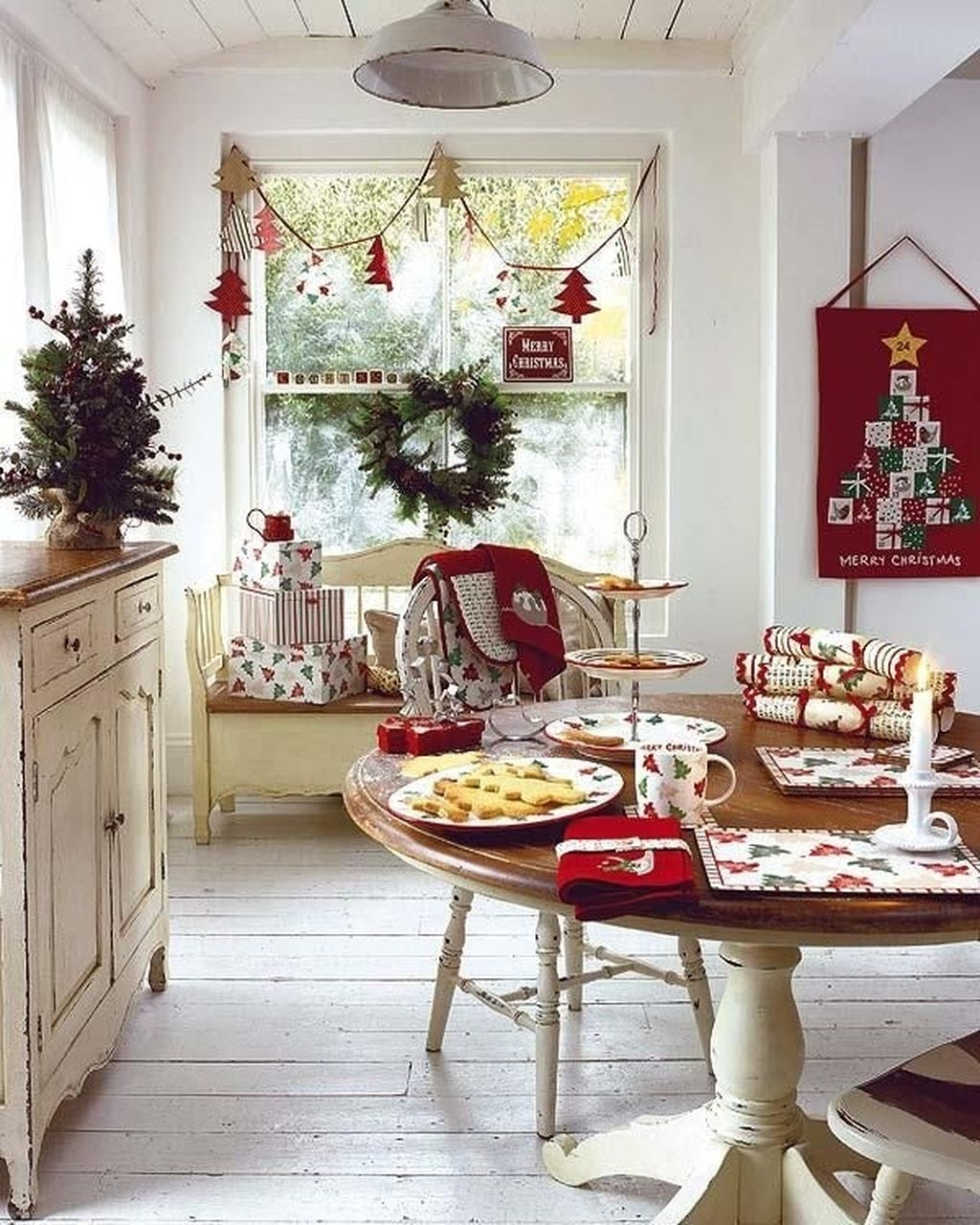 Beautiful Red Themed Kitchen Design Ideas For Christmas 03