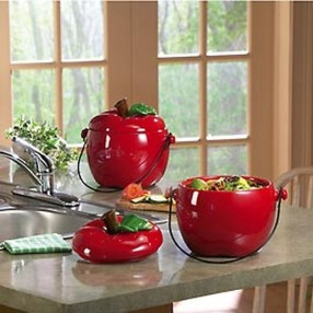 Beautiful Red Themed Kitchen Design Ideas For Christmas 31
