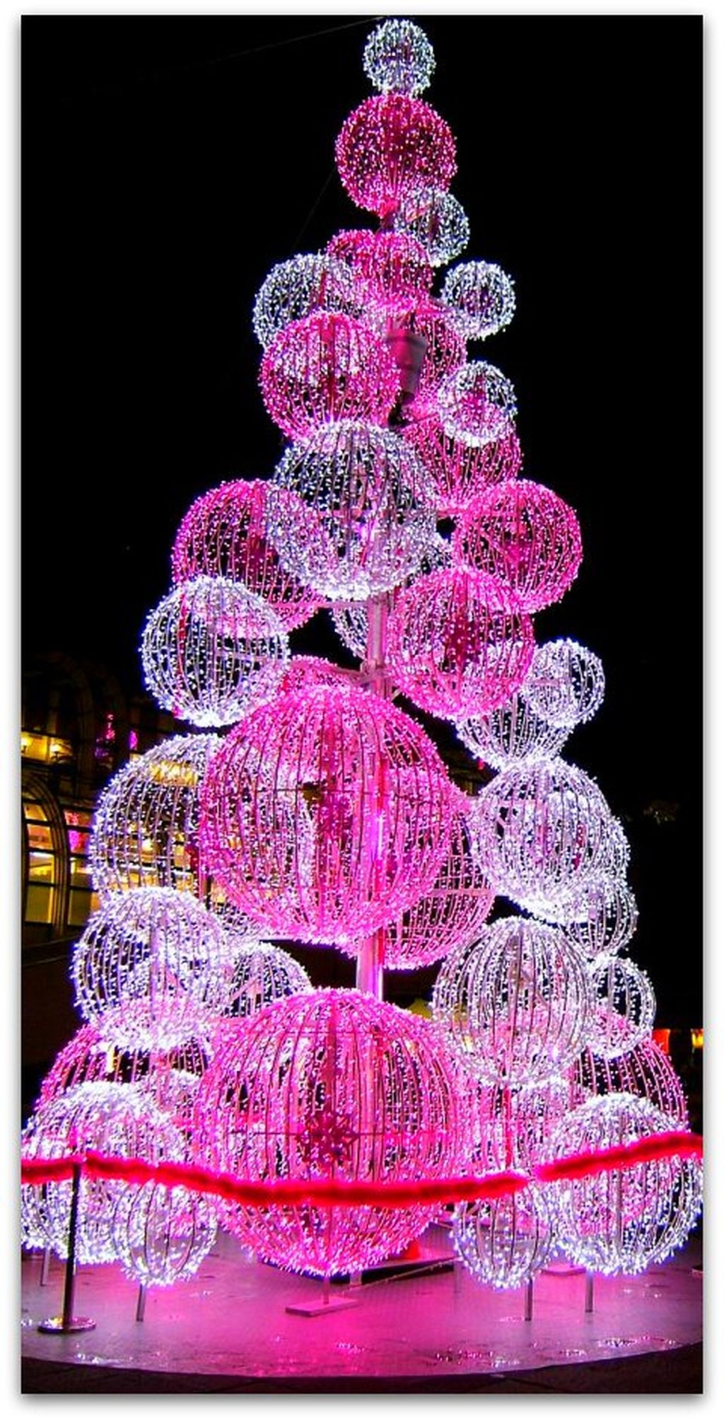 Cute And Adorable Pink Christmas Tree Decoration Ideas 12
