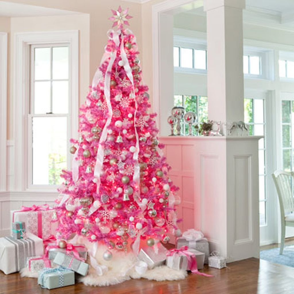 Cute And Adorable Pink Christmas Tree Decoration Ideas 19