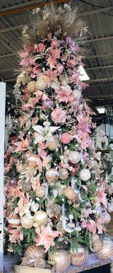 Cute And Adorable Pink Christmas Tree Decoration Ideas 24