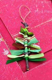 Cute And Creative Homemade Christmas Ornaments Ideas You Should Try 06