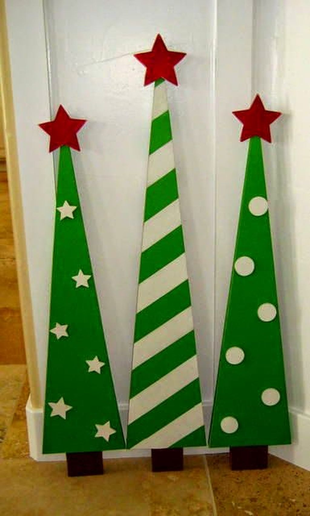 Easy And Creative DIY Christmas Tree Design Ideas You Can Try As Alternatives 04