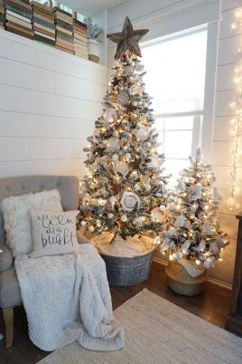 Elegant White Vintage Christmas Decoration Ideas 15