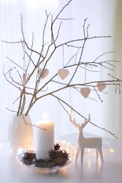 Elegant White Vintage Christmas Decoration Ideas 61