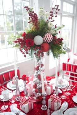 Elegant And Beautiful Tabletop Christmas Tree Centerpieces Ideas 08
