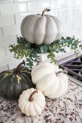 Inspiring Halloween Decoration Ideas For Your Apartment 25