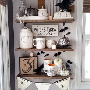 Inspiring Halloween Decoration Ideas For Your Apartment 41