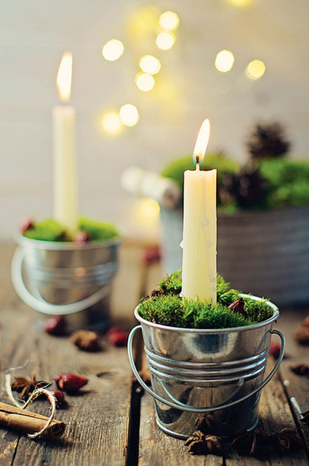 Inspiring Modern Rustic Christmas Centerpieces Ideas With Candles 09