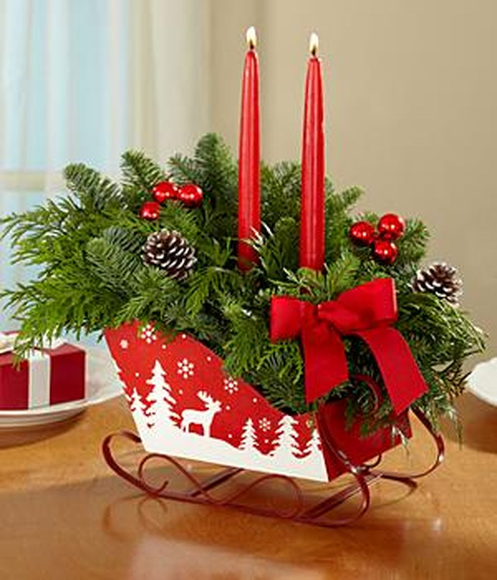 Inspiring Modern Rustic Christmas Centerpieces Ideas With Candles 13