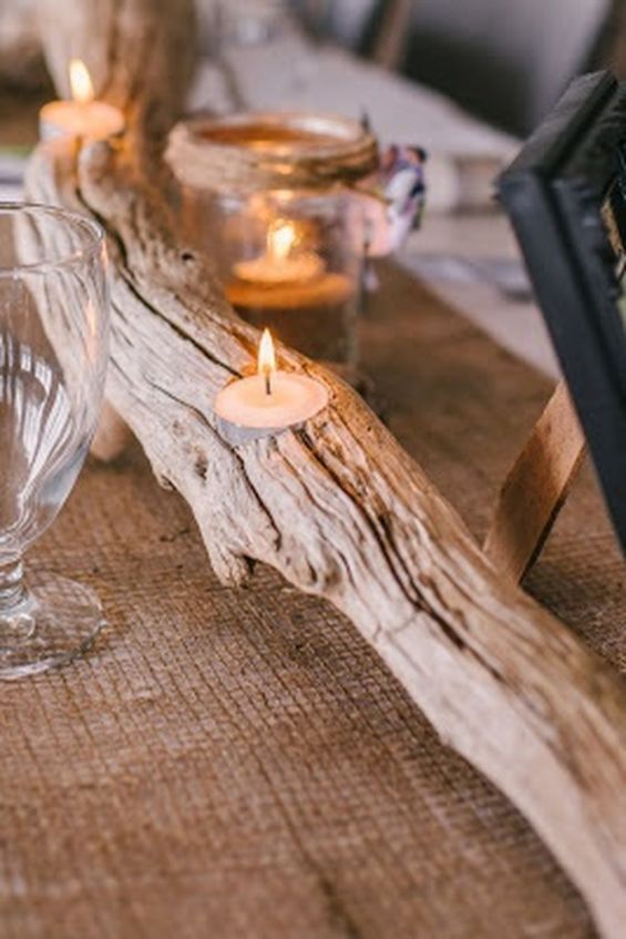 Inspiring Modern Rustic Christmas Centerpieces Ideas With Candles 72