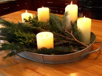 Inspiring Modern Rustic Christmas Centerpieces Ideas With Candles 80