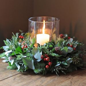 Inspiring Modern Rustic Christmas Centerpieces Ideas With Candles 95