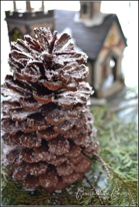Inspiring Pine Cones Christmas Decoration Ideas 08