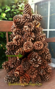 Inspiring Pine Cones Christmas Decoration Ideas 10