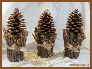 Inspiring Pine Cones Christmas Decoration Ideas 28