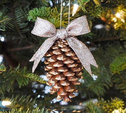 Inspiring Pine Cones Christmas Decoration Ideas 34