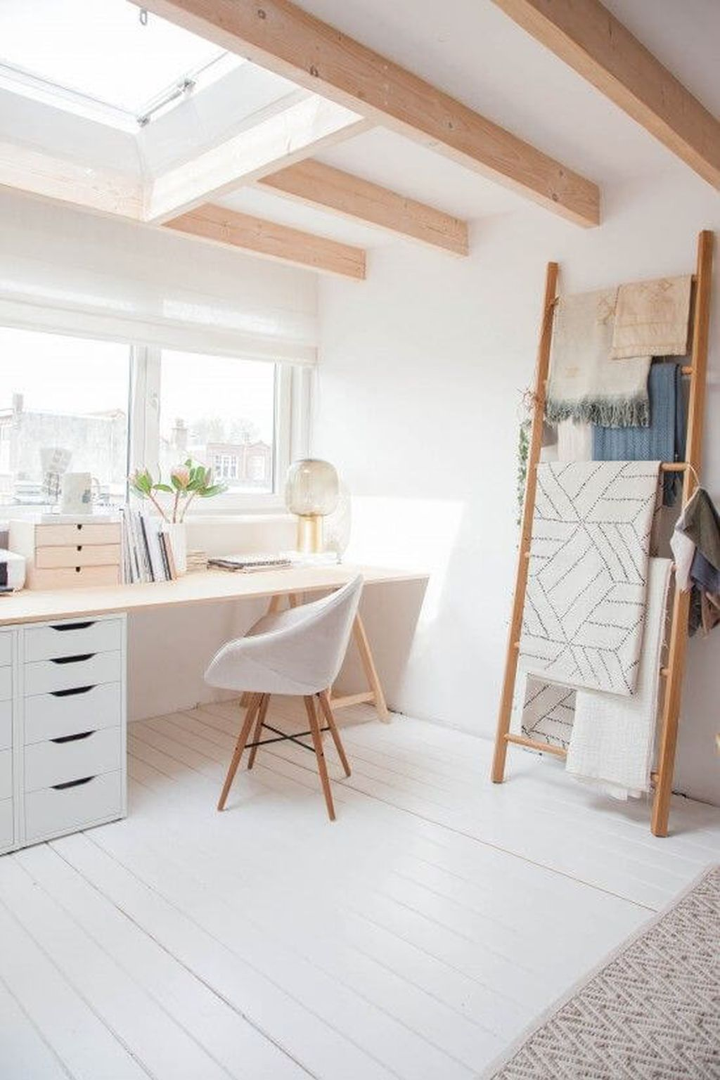 Modern And Cozy Office Interior Design Ideas To Makes You Feel Comfortable 98
