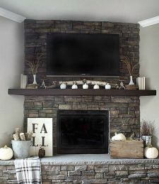 Scary But Classy Halloween Fireplace Decoration Ideas 39