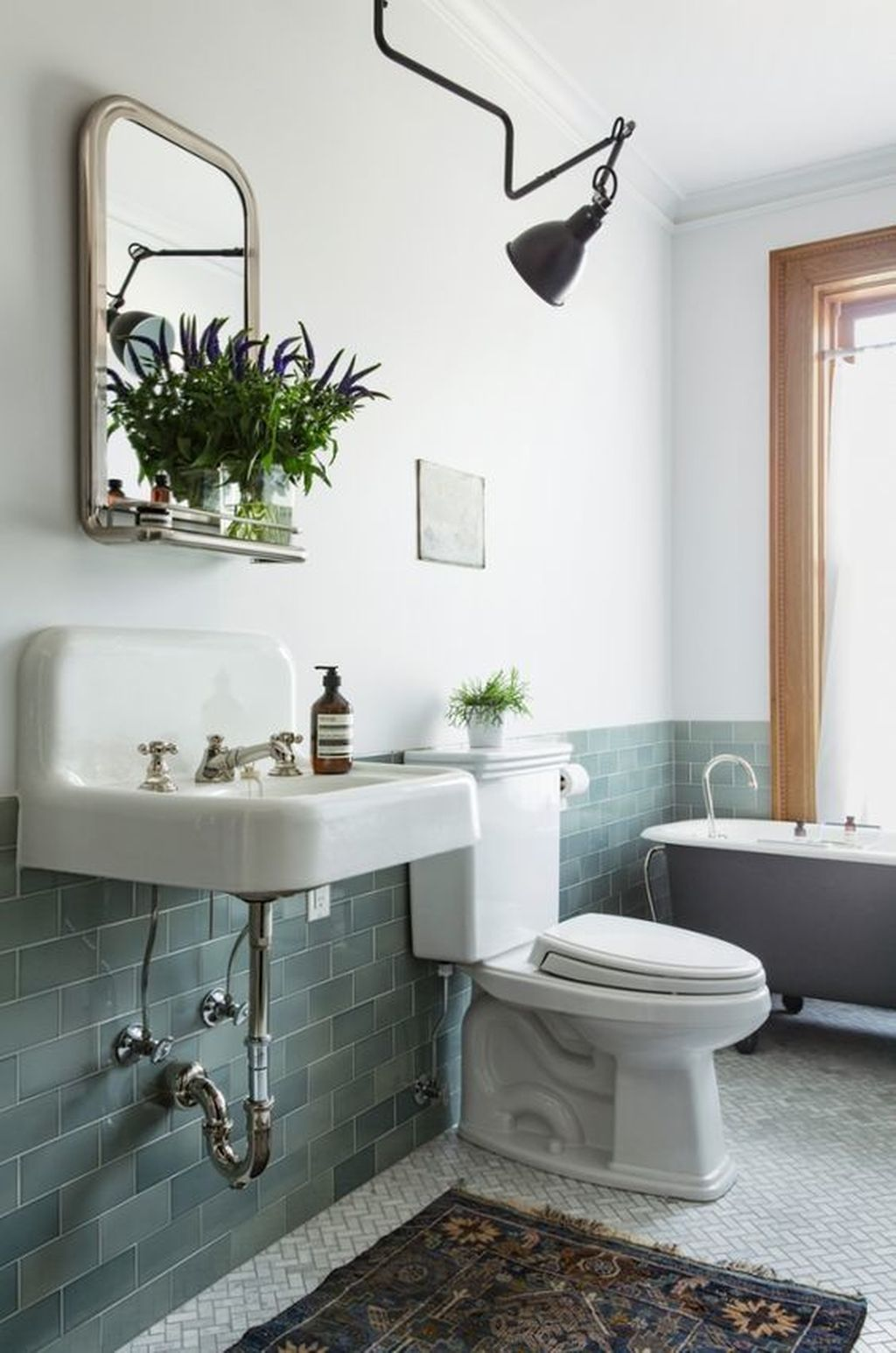 Simple And Clean Apartment Bathroom Decoration Ideas Suitable For You Who Living With Roomates 19