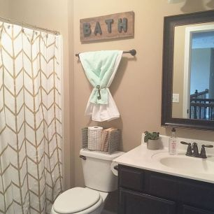 Simple And Clean Apartment Bathroom Decoration Ideas Suitable For You Who Living With Roomates 38