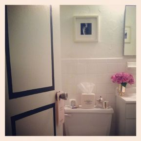 Simple And Clean Apartment Bathroom Decoration Ideas Suitable For You Who Living With Roomates 42