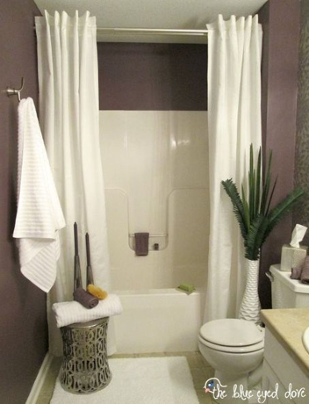 Simple And Clean Apartment Bathroom Decoration Ideas Suitable For You Who Living With Roomates 52