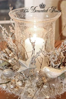 Stunning White Vintage Christmas Decoration Ideas 16