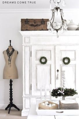 Stunning White Vintage Christmas Decoration Ideas 17