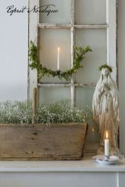 Stunning White Vintage Christmas Decoration Ideas 38
