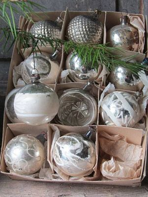 Stunning White Vintage Christmas Decoration Ideas 61