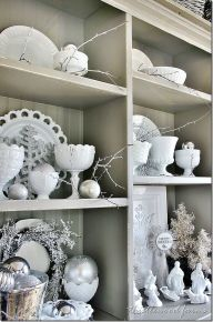 Stunning White Vintage Christmas Decoration Ideas 76