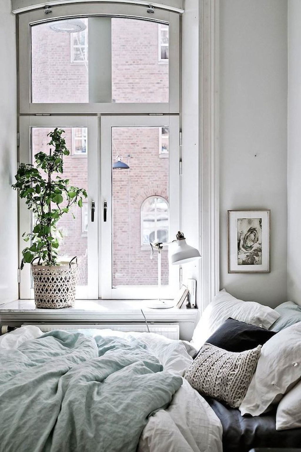 Totally Brilliant Bedroom Design Ideas For Small Apartment 66
