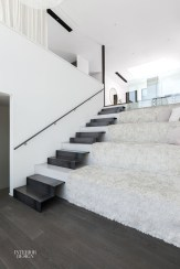 Totally Inspiring Residential Staircase Design Ideas You Can Apply For Your Home 49
