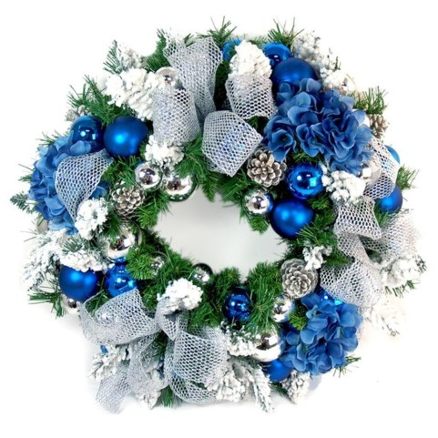 Amazing Silver And Blue Christmas Decoration Ideas For Christmas And New Year08