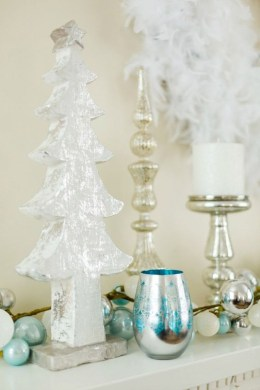 Amazing Silver And Blue Christmas Decoration Ideas For Christmas And New Year14