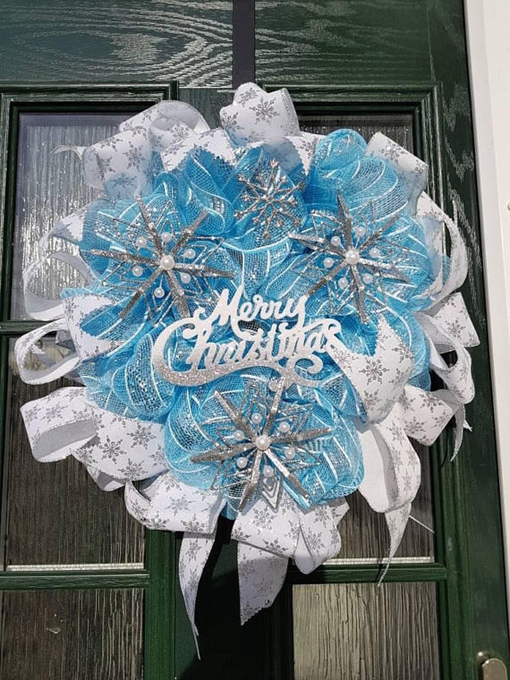 Amazing Silver And Blue Christmas Decoration Ideas For Christmas And New Year28
