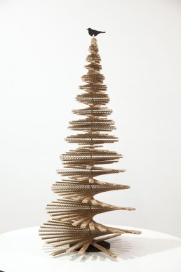 Brilliant And Inspiring Recycled Christmas Tree Decoration Ideas 25