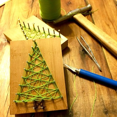 Brilliant And Inspiring Recycled Christmas Tree Decoration Ideas 44