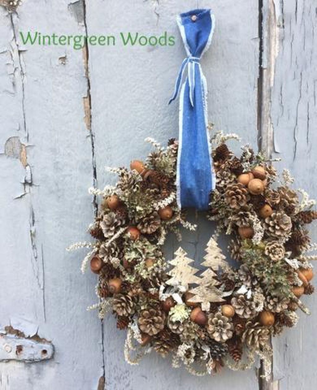 Colorful Christmas Wreaths Decoration Ideas For Your Front Door 05