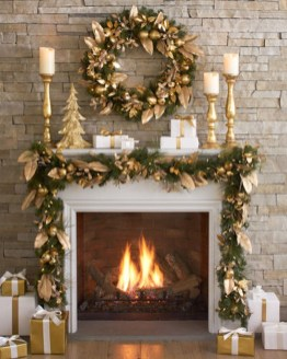 Cozy Fireplace Christmas Decoration Ideas To Makes Your Room Keep Warm07