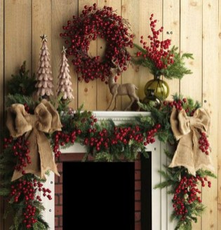 Cozy Fireplace Christmas Decoration Ideas To Makes Your Room Keep Warm08