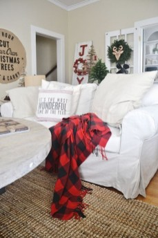 Eye Catching Rustic Christmas Decoration Ideas To Jazz Up Your Home 10