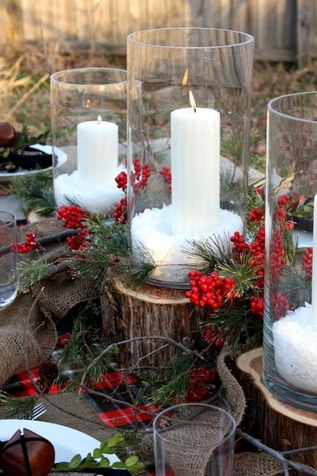 Romantic Christmas Centerpieces Ideas With Candles 07