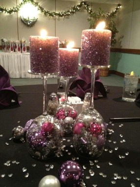 Romantic Christmas Centerpieces Ideas With Candles 21