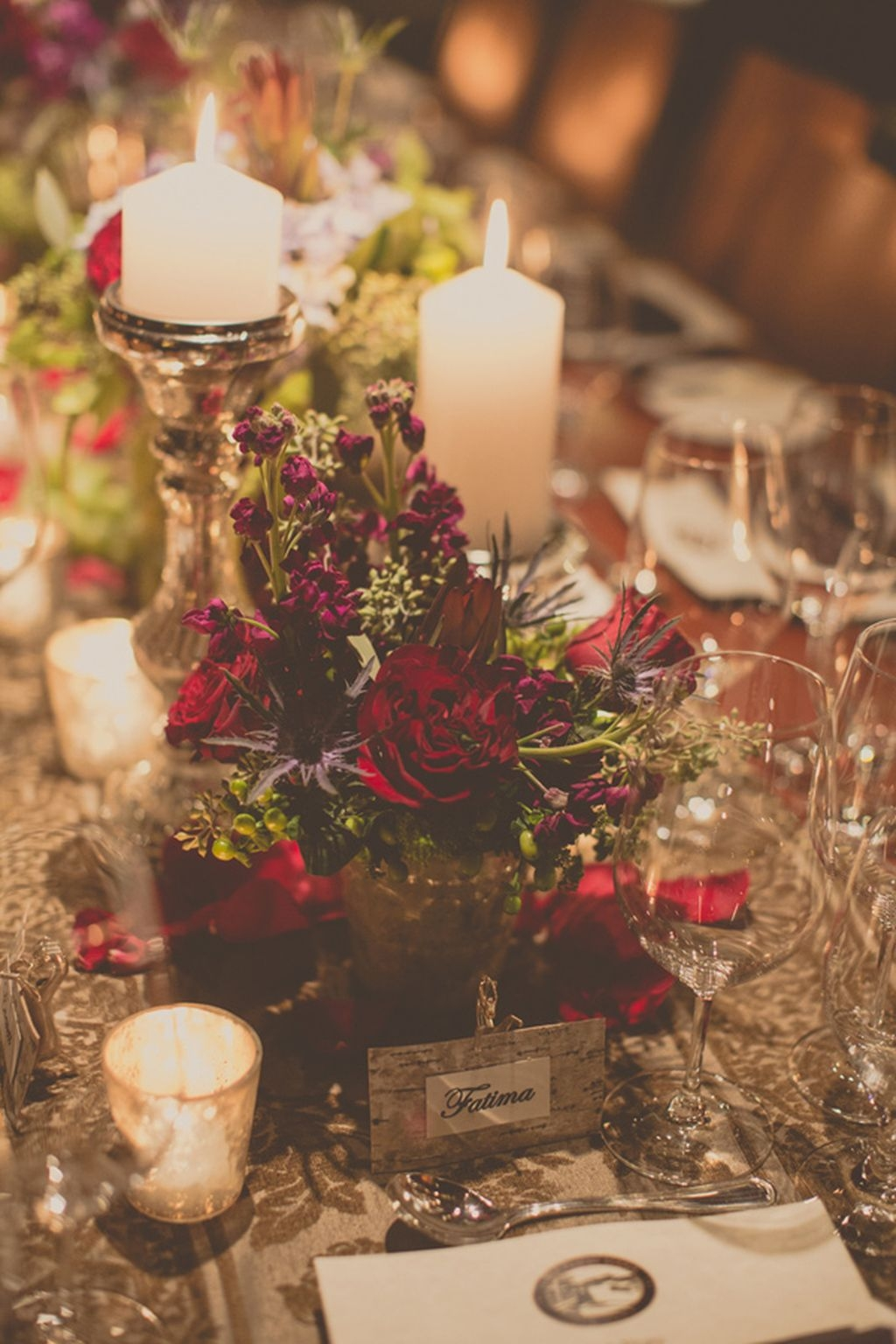 Romantic Christmas Centerpieces Ideas With Candles 27