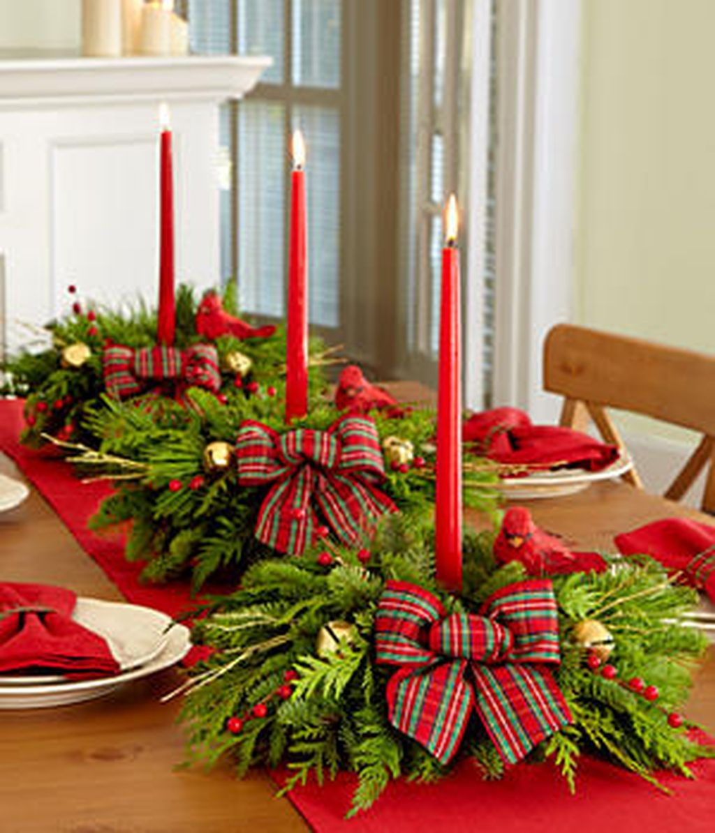 Romantic Christmas Centerpieces Ideas With Candles 29