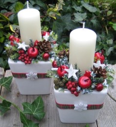 Romantic Christmas Centerpieces Ideas With Candles 53