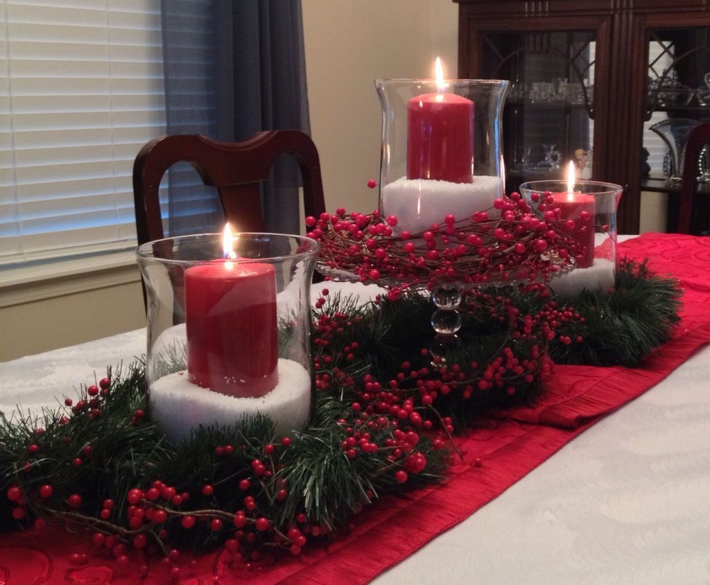 Romantic Christmas Centerpieces Ideas With Candles 54